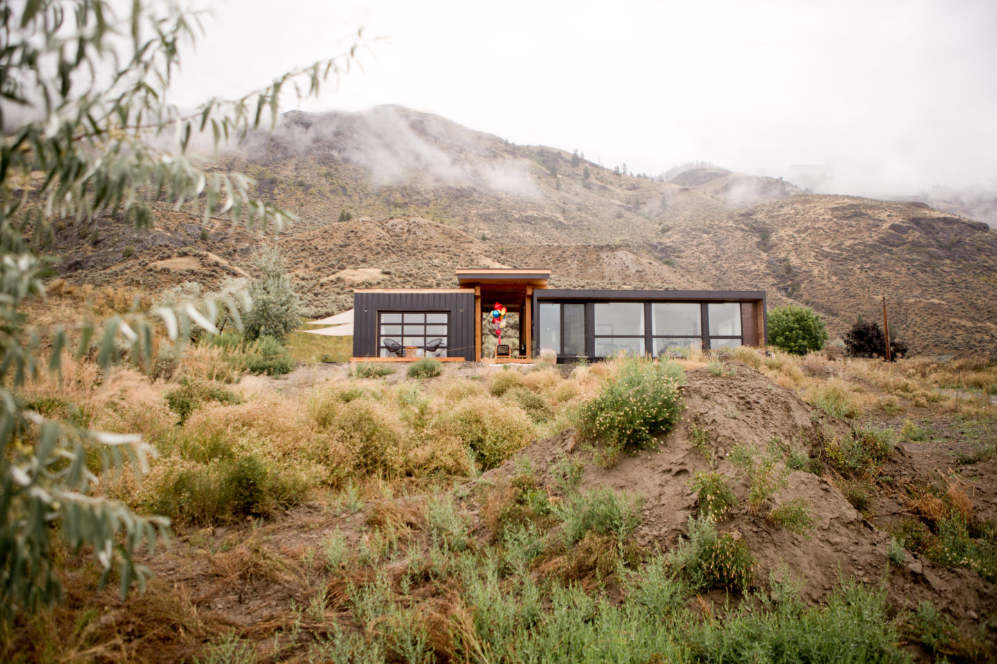 Tourism Kamloops - British Colombia - Blackbox Container Home - Birthday - Party - Sultan Sandur